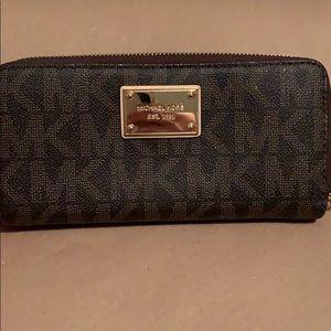 Classic MK initial Wallet
